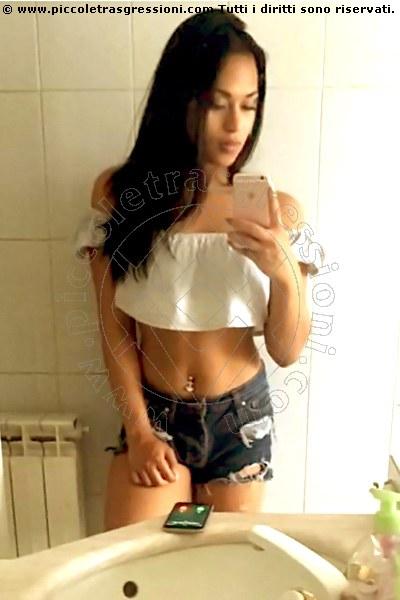 Chicas latinas teniendo sexo